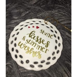 Porcelain mini ornaments